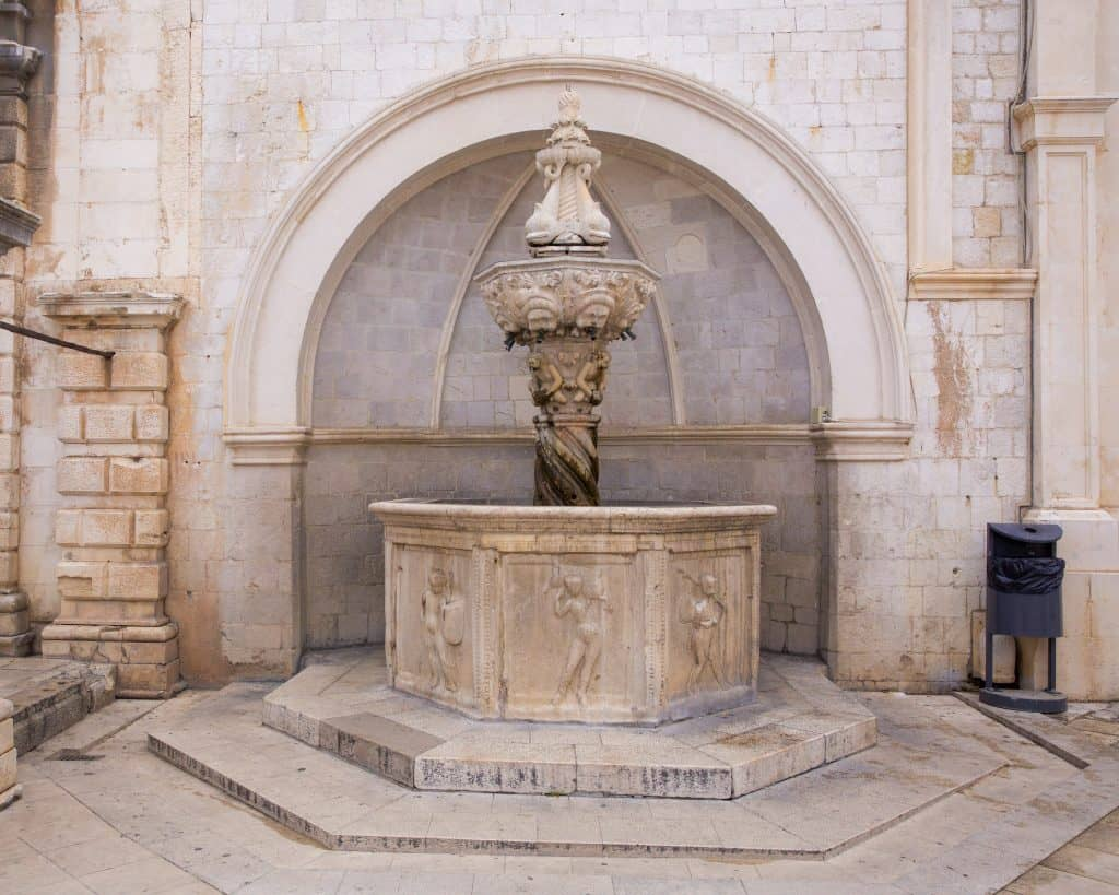things to do in Dubrovnik-Small Onofrio Fountain